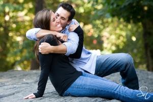Kissing Couple3