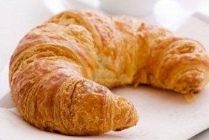 5524588-croissant-breakfast